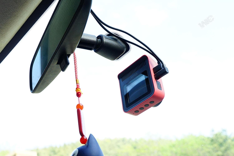 安全驾驶的得力帮手:70迈行车记录仪魔方A400