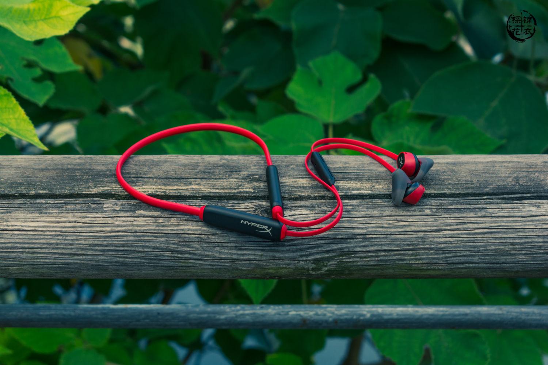 手游伴侣,运动搭档:HyperX 云雀蓝牙耳机