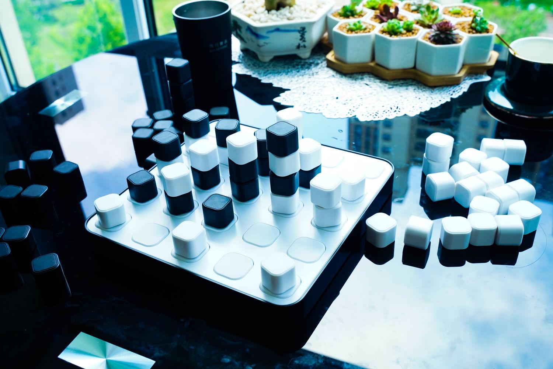立体四子棋:孩子的益智玩具,大人解压也不错