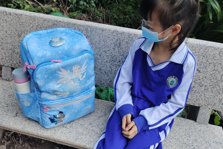 小女神的高颜值开学礼 GMT护脊书包使用体验